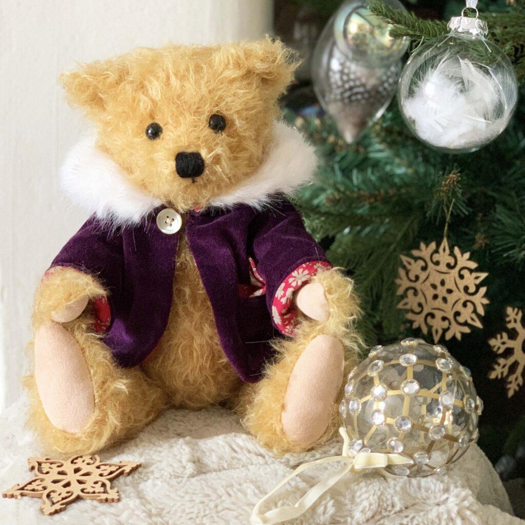 Festive Bear Noel